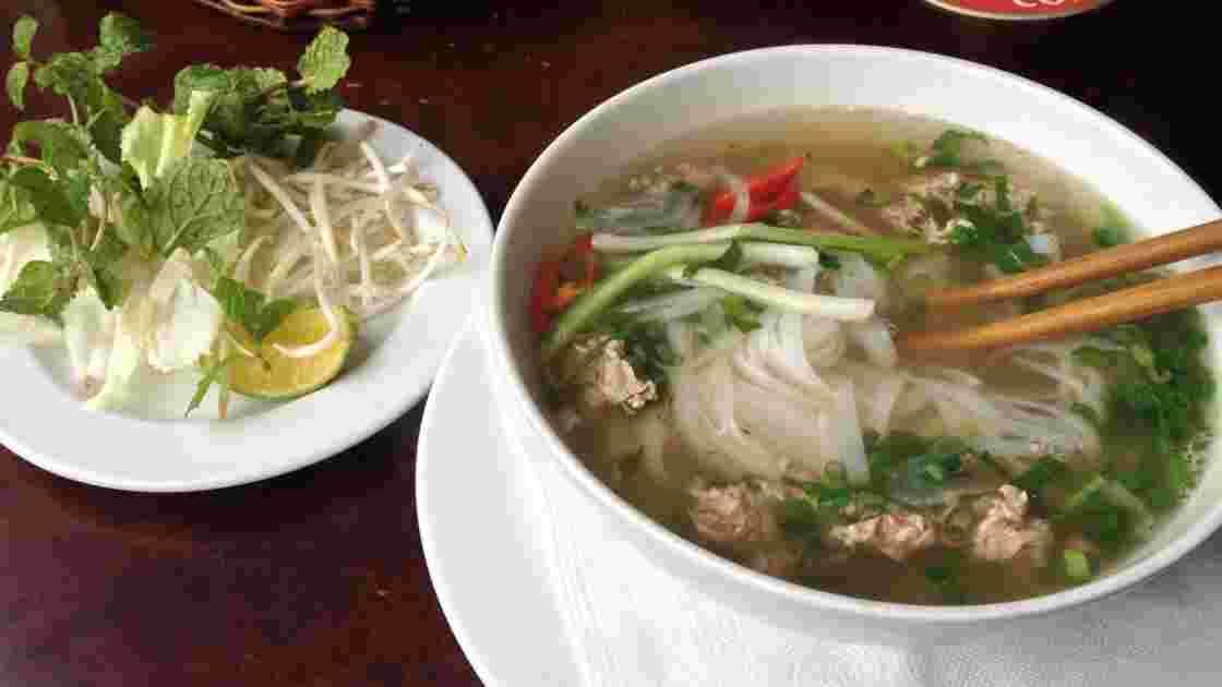 Tout savoir sur le phô, le pot-au-feu à la sauce vietnamienne