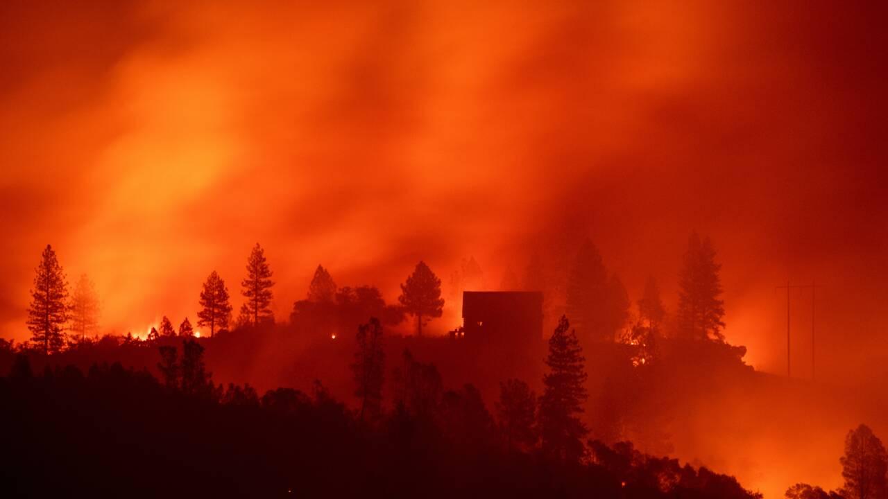 Incendies Californie: une trentaine de morts, bilan le plus lourd depuis 1933