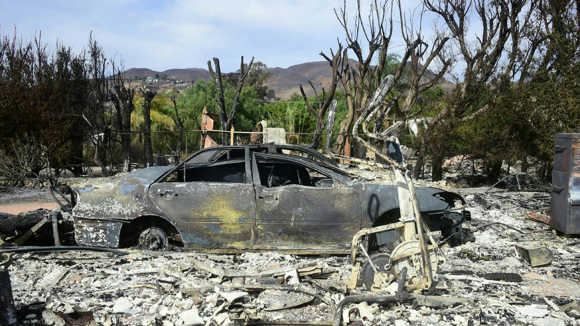 Californie: les incendies font toujours rage, une centaine d'habitants portés disparus