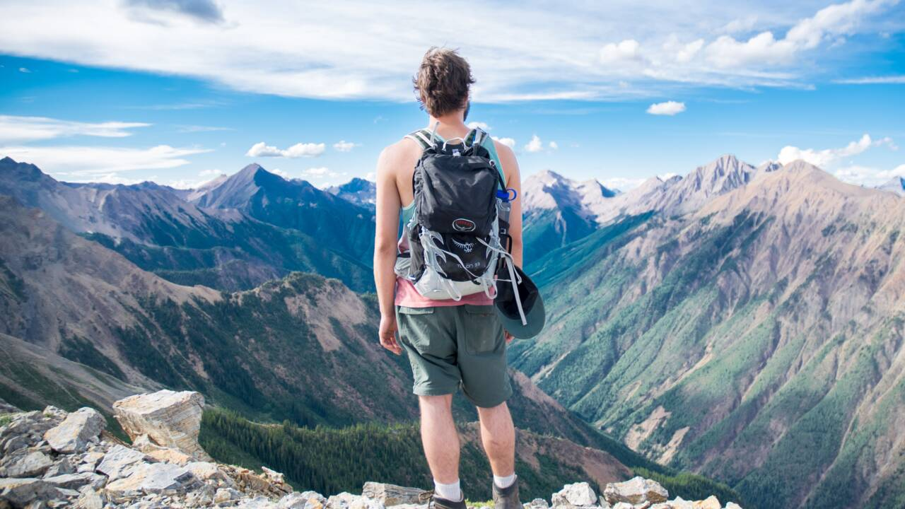 Randonnée, treck, visites urbaines... comment choisir son sac à dos en fonction de son voyage ?