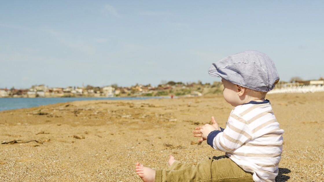 Premières vacances avec bébé : les bonnes questions à se poser