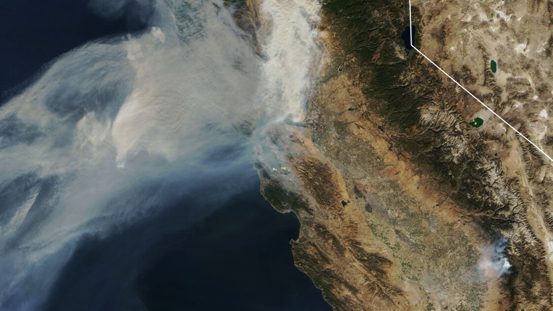 Incendies: les recherches continuent, San Francisco suffoque