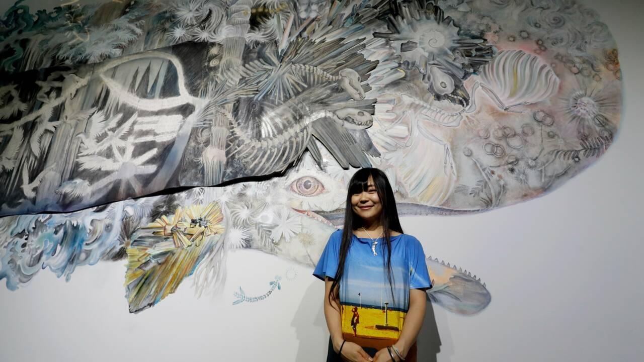 Océans en péril: une fresque avec des baleines de Maki Ohkojima à Paris