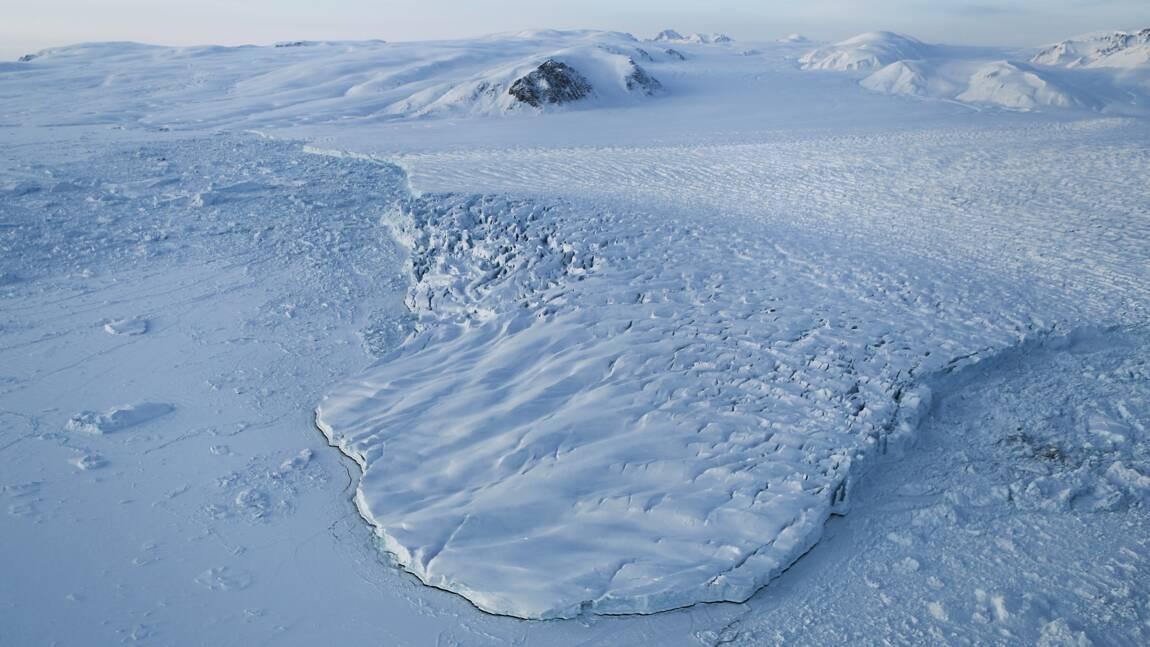 Le Nord magnétique fonce du Canada vers la Sibérie