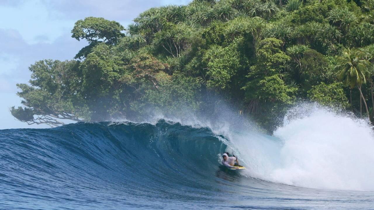 Le top des meilleurs spots pour faire du surf dans le monde