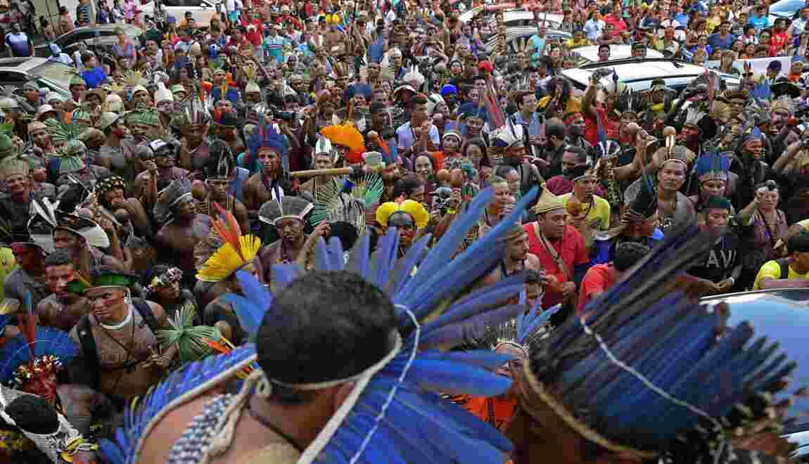 Brésil: Bolsonaro veut exploiter les ressources d'une réserve indigène