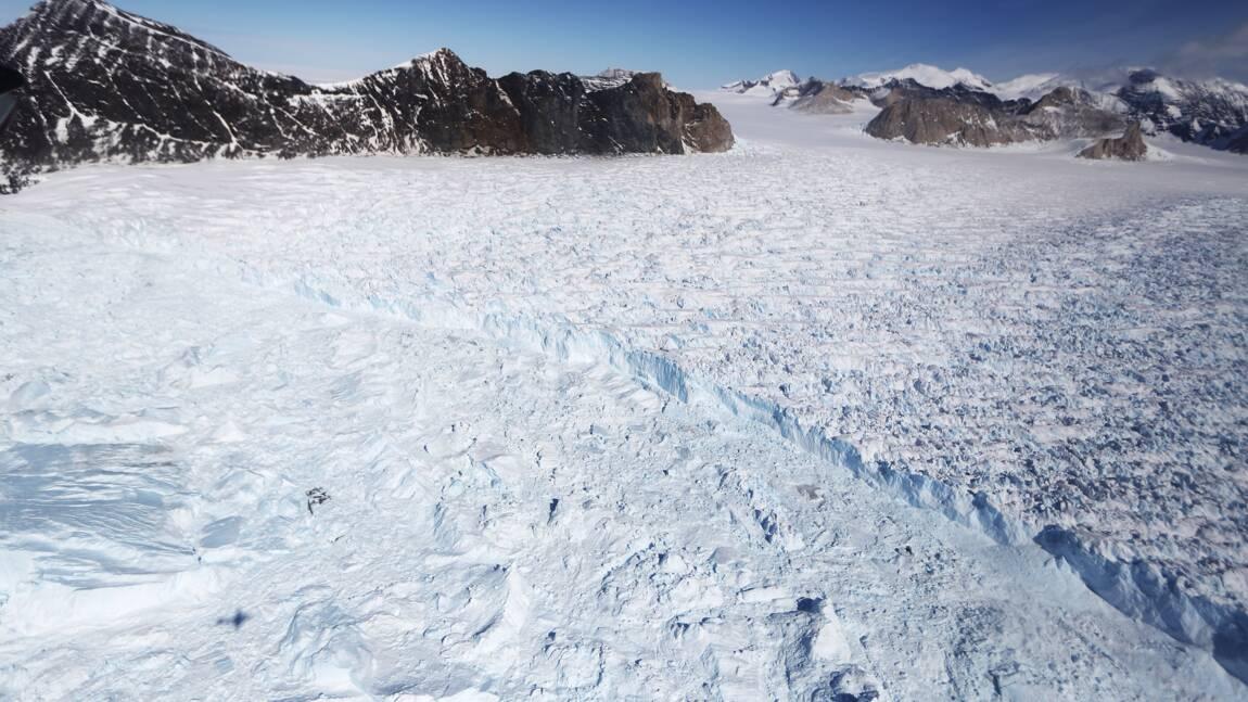 Un Américain traverse l'Antarctique en solo et sans assistance, une première