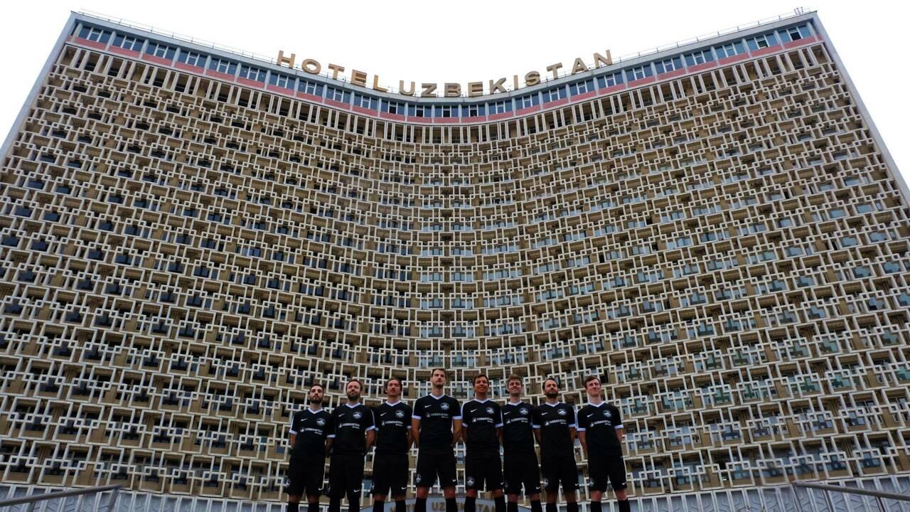 Tour du monde d'un football oublié avec le photographe Jérémie Roturier
