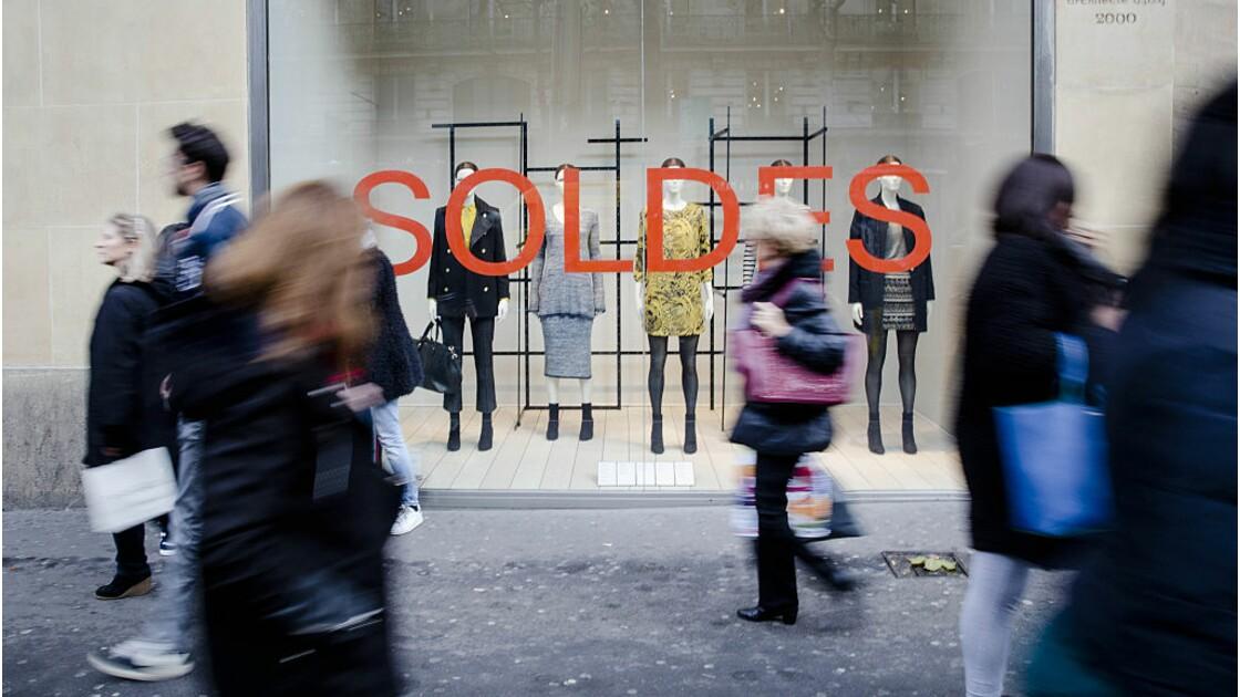 """Soldes : la """"fast fashion"""" ne fait pas du bien à la planète"""