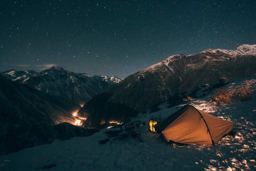 Camper dans la neige