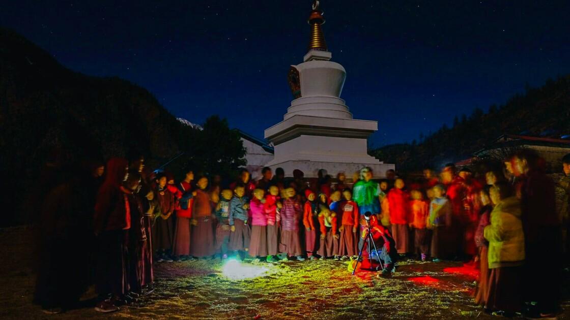 """Au Népal, la """"marche aux étoiles"""" de deux passionnés d'astronomie"""