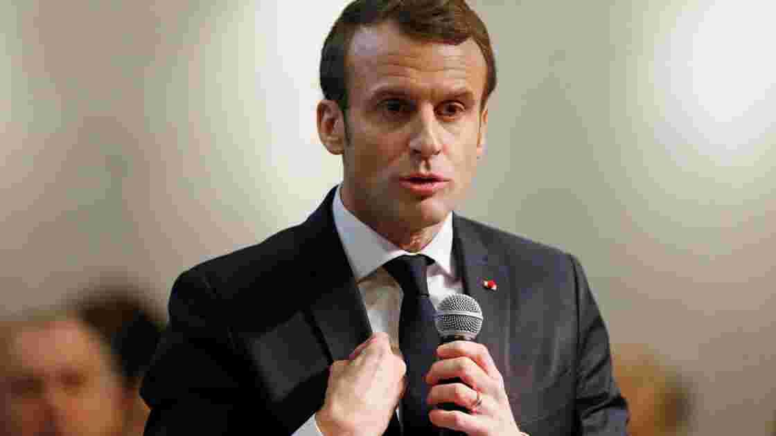 """Sortie du glyphosate: """"On n'y arrivera pas"""" à 100% en trois ans, selon Macron"""