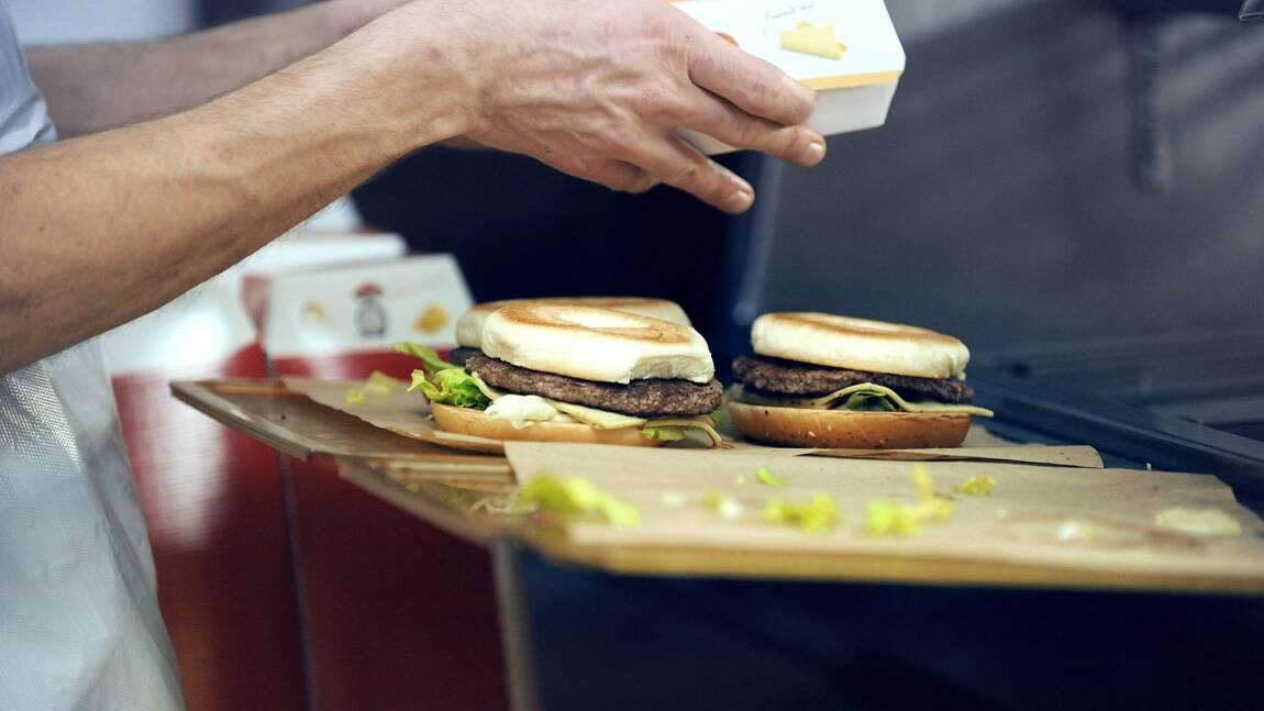 Tri des déchets: les fast-food ont deux mois pour proposer des solutions