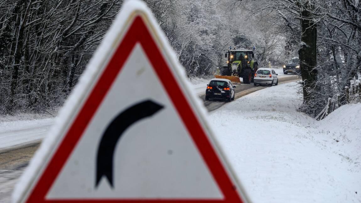 Routes coupées par la neige en Savoie, environ 600 personnes hébergées