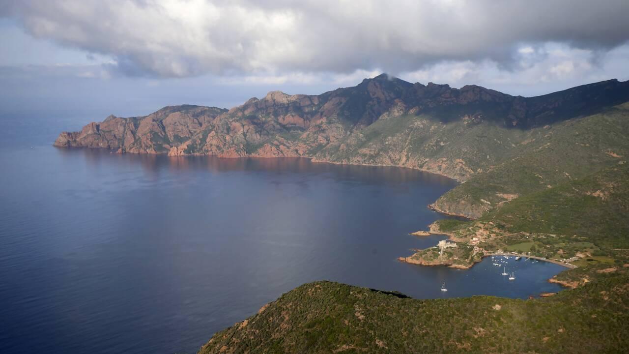 Corse: des écologistes demandent de limiter l'accès à la réserve de Scandola