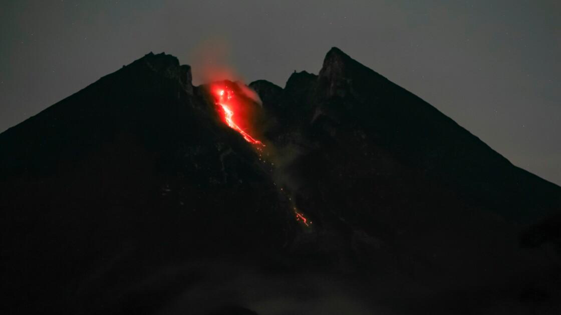Indonésie: le volcan Merapi en éruption