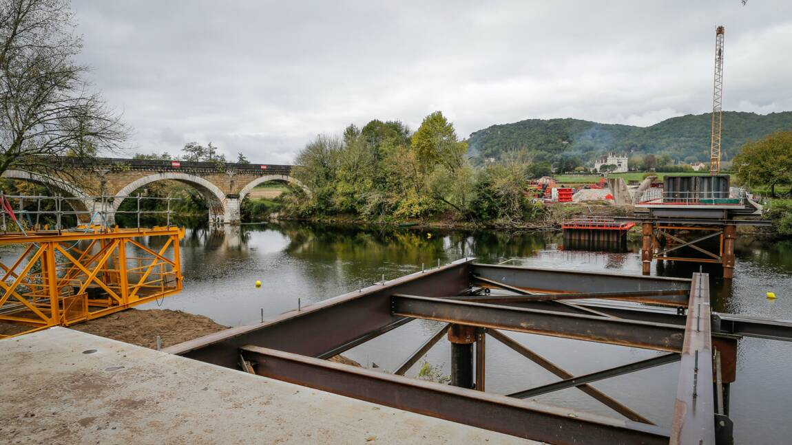 Dordogne: 2.500 à 3.000 personnes en soutien du contournement routier de Beynac
