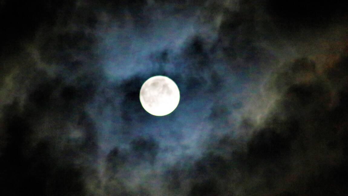 """Pourquoi la """"super Lune"""" n'existe pas"""