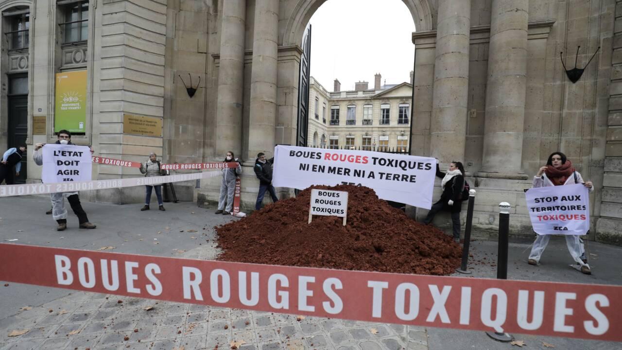 """""""Boues rouges"""": Alteo porte plainte pour vol contre des militants écologistes"""