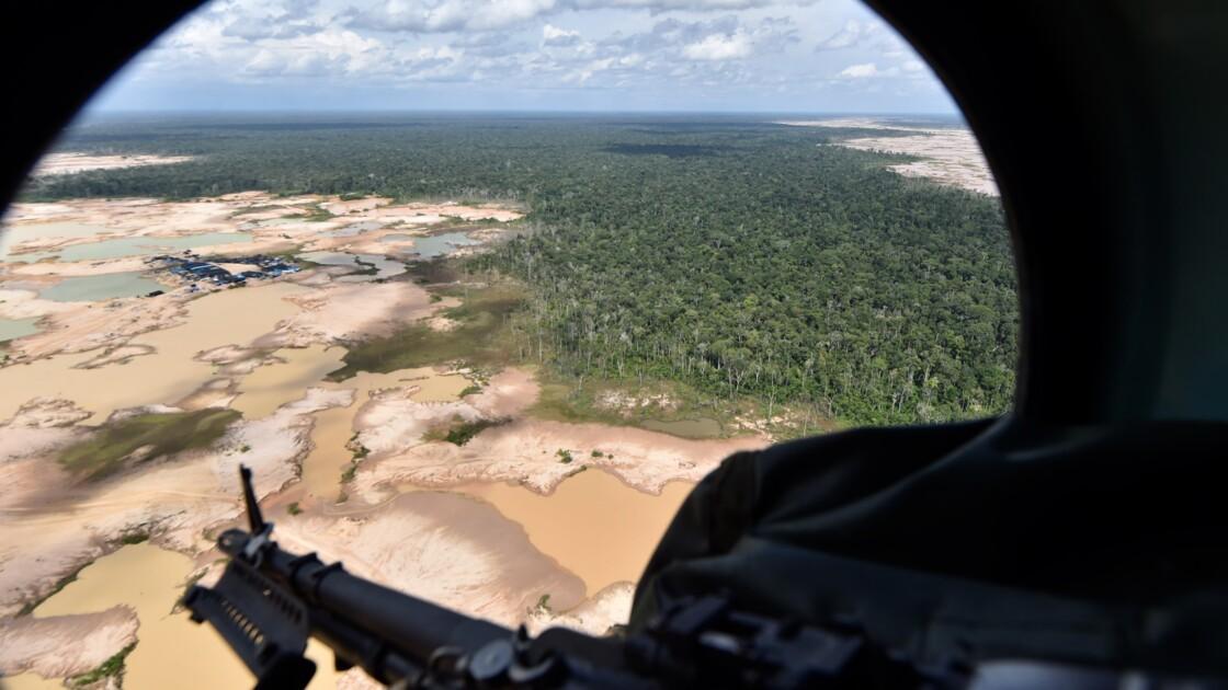 Pérou: des bases militaires en Amazonie pour combattre les mines illégales