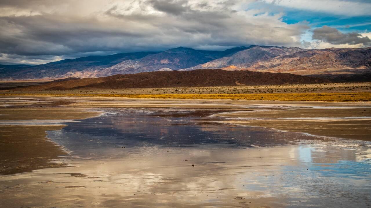 Un immense lac s'est formé dans le désert de la vallée de la Mort