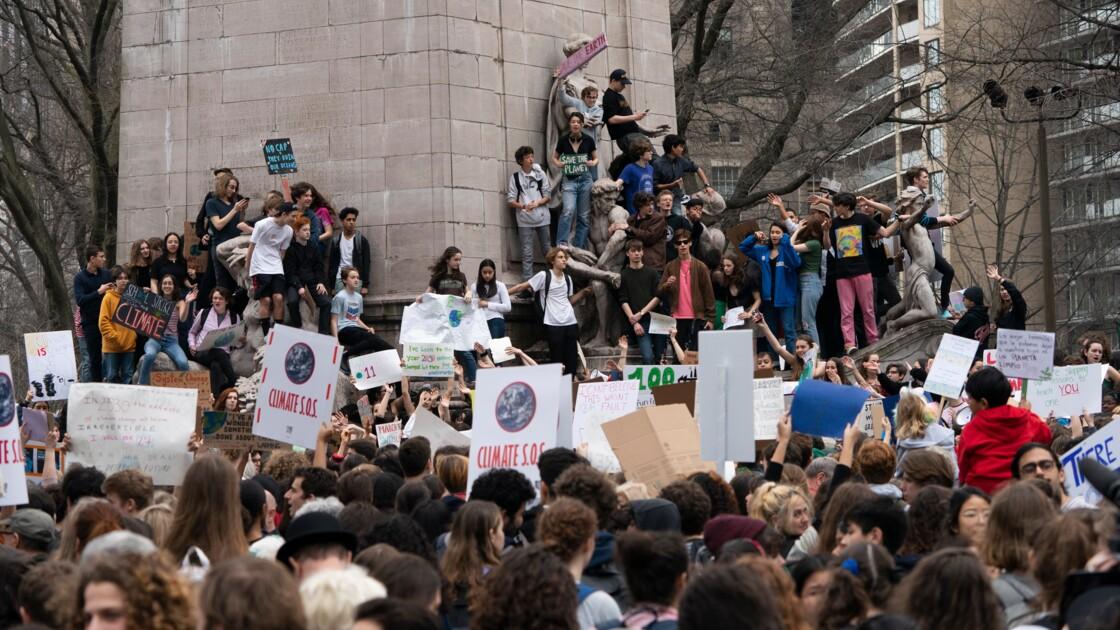 """Climat: des milliers de jeunes New-Yorkais manifestent, avant qu'il ne soit """"trop tard"""""""