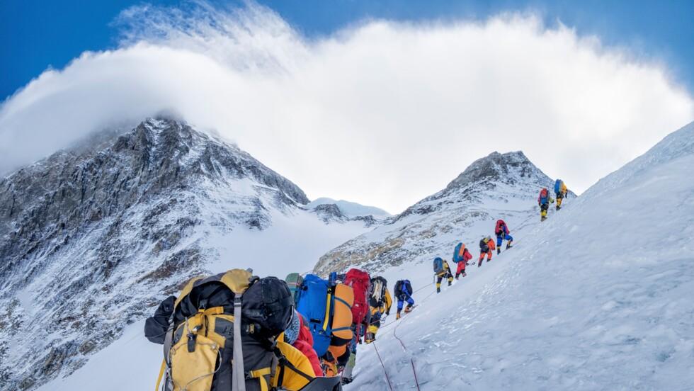 La fonte des glaces du Mont Everest dévoile les cadavres d'alpinistes