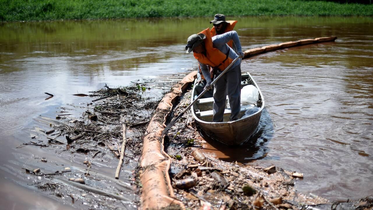 """Rupture d'un barrage au Brésil: deux mois après, """"on ne peut pas appeler ça de l'eau"""""""