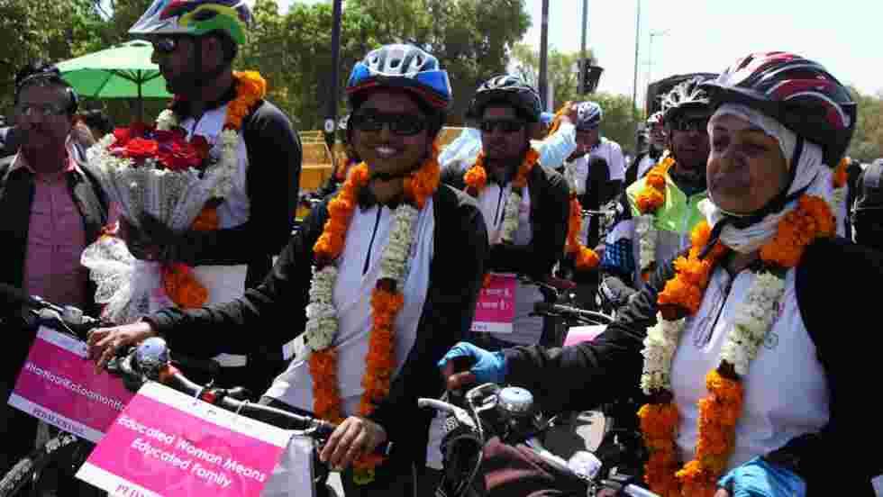 En Inde, des cyclistes se lancent dans un périple de 1500 km pour l'égalité hommes-femmes