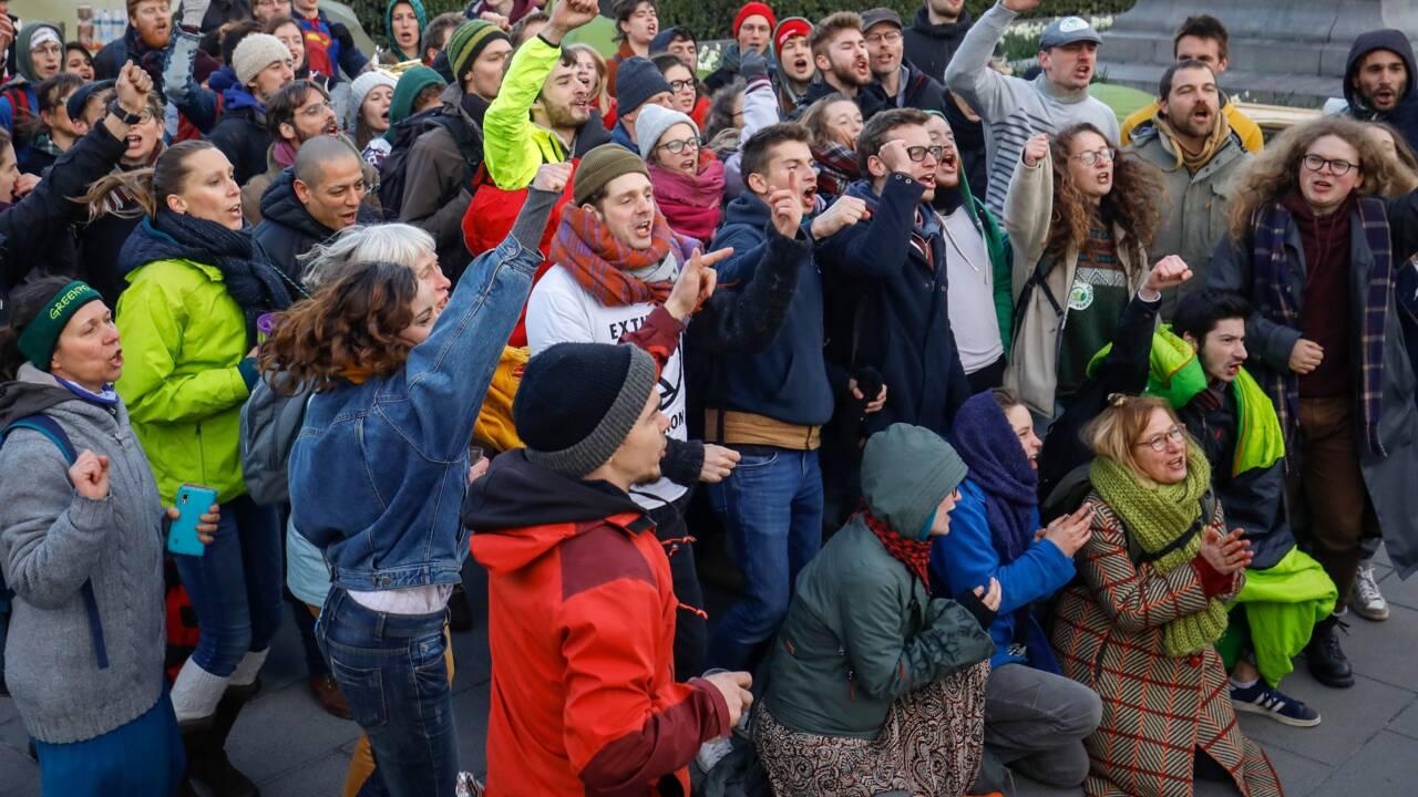 Belgique: les militants du climat mettent les politiques sous pression
