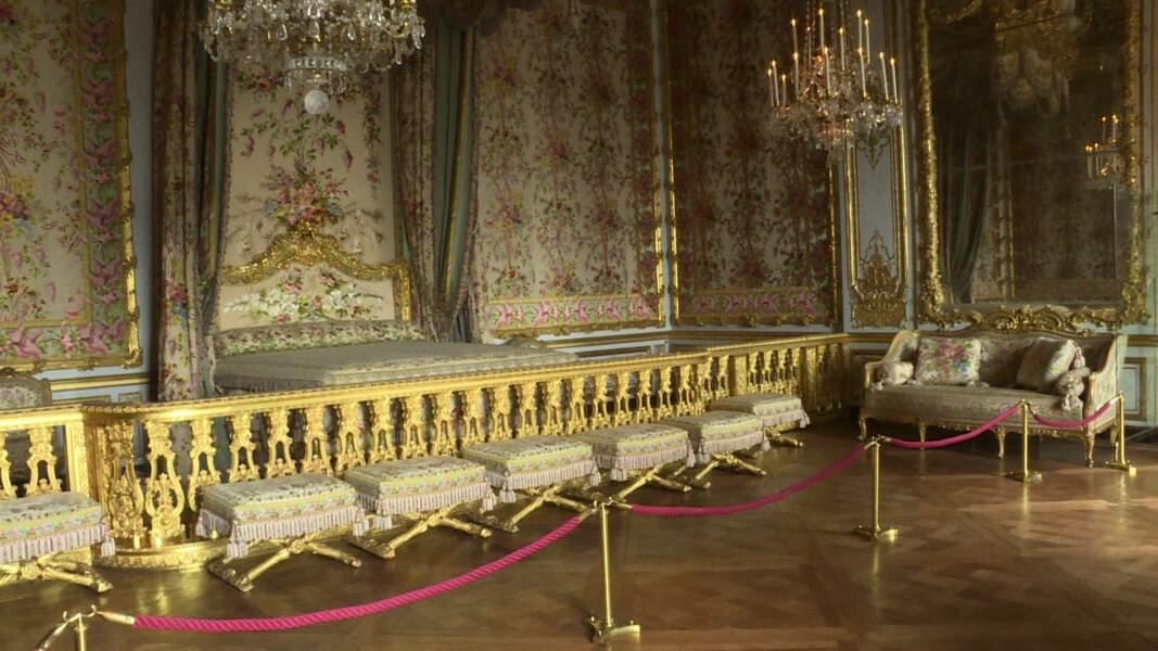 A Versailles, les appartements de la reine retrouvent leurs subtilités d'origine grâce à une vaste restauration