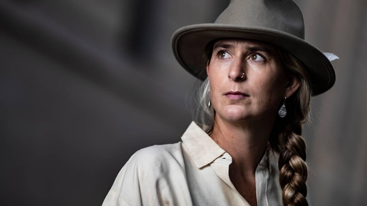 Une Française traverse l'Australie à cheval en solitaire pour sauver le brumby