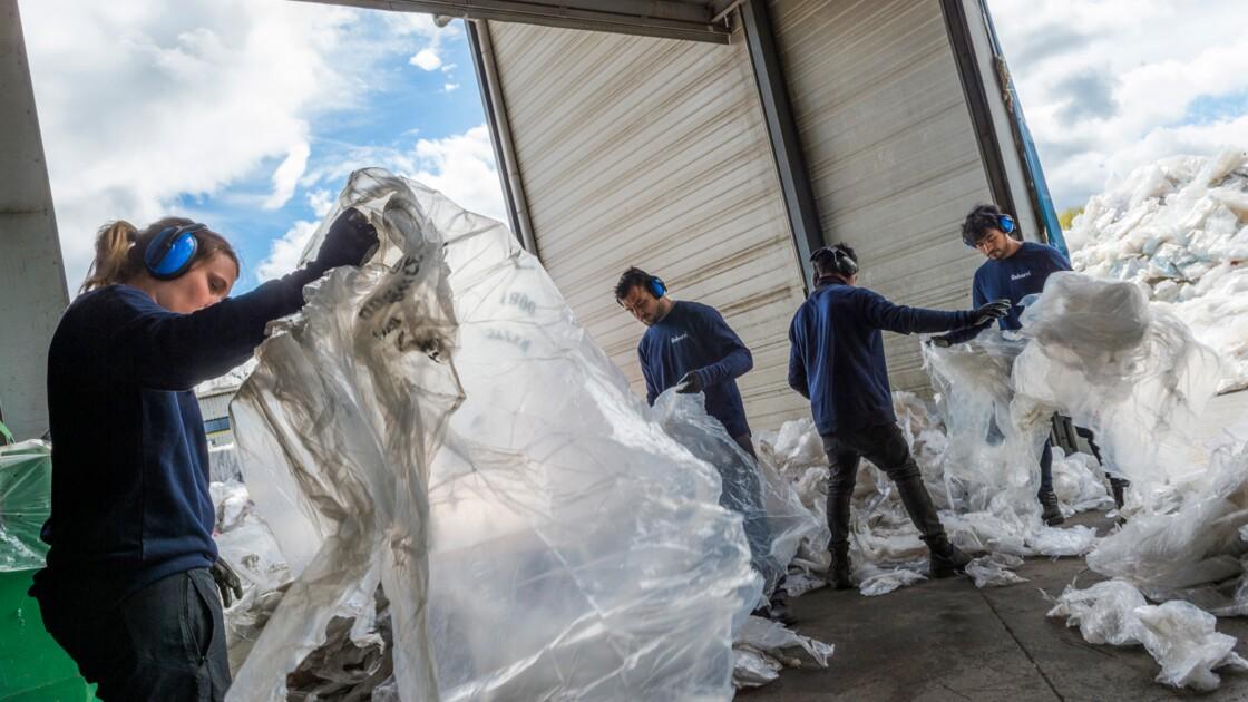 A Montbrison, on recycle les films plastique à tour de bras et à toute vitesse