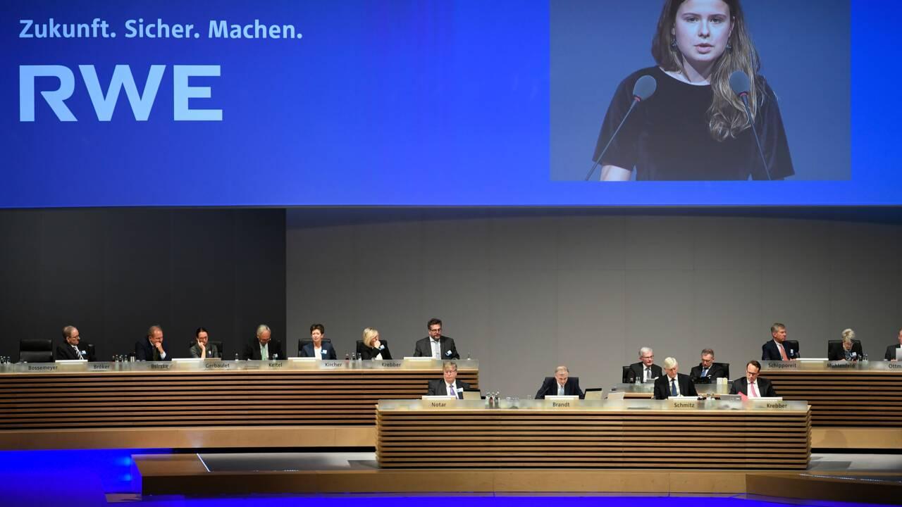 """Climat: la """"Greta allemande"""" bouscule l'AG de l'énergéticien RWE"""