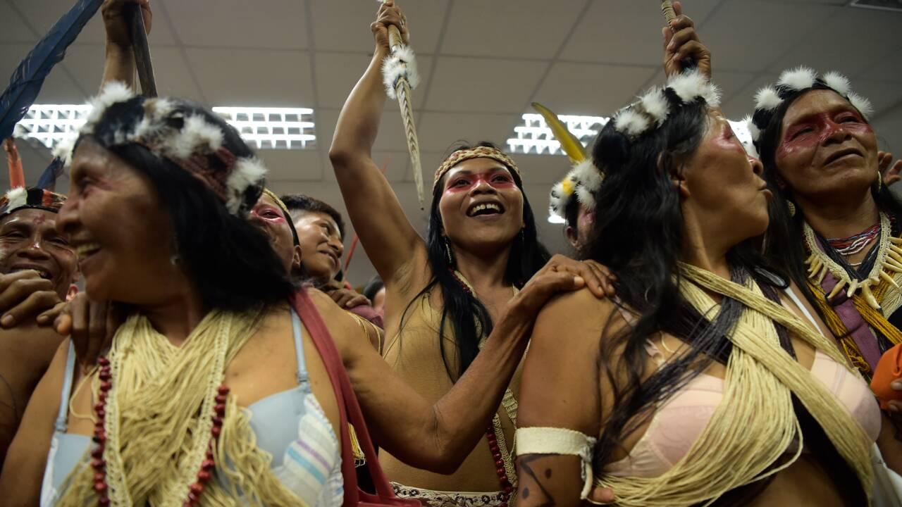 Les peuples autochtones, gardiens assiégés de la nature mondiale