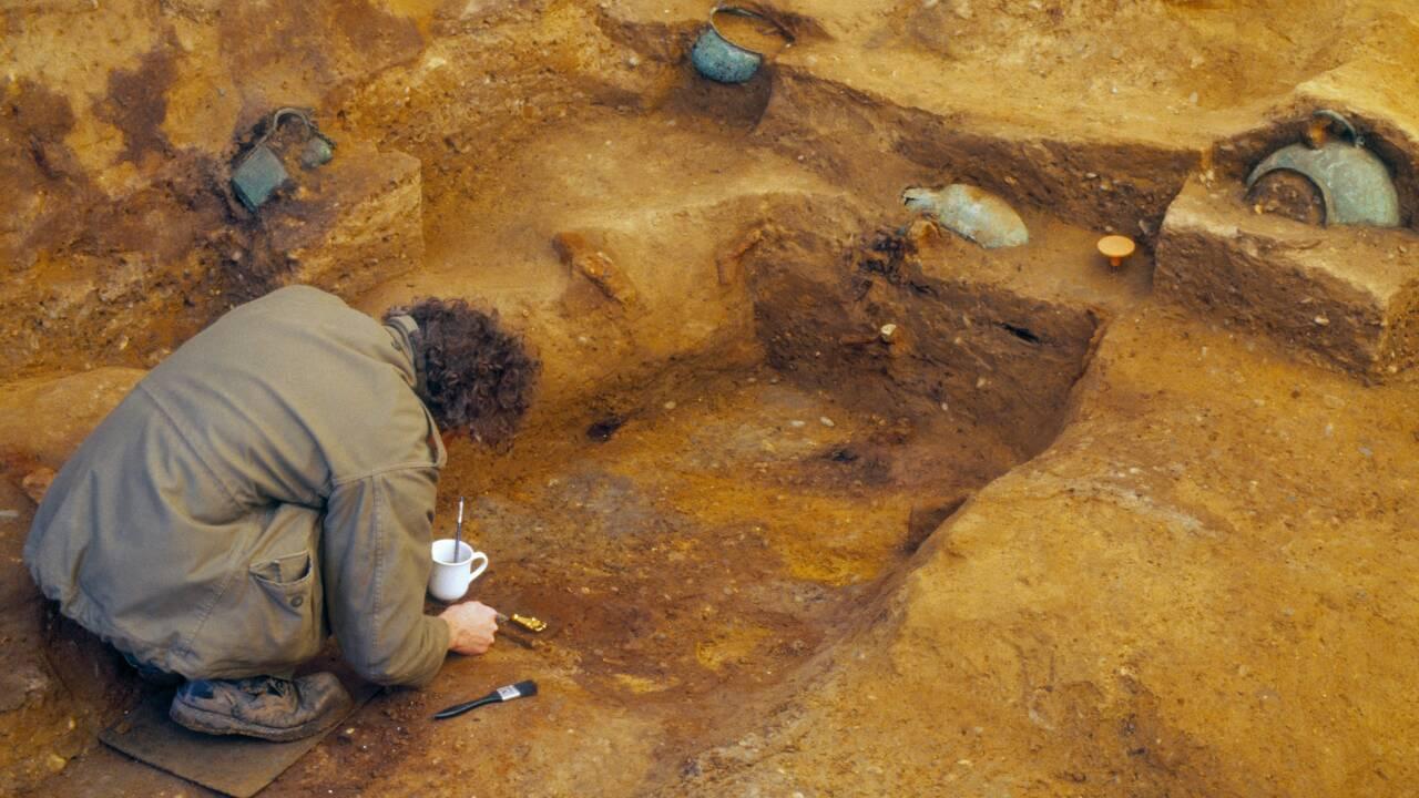 Une mystérieuse tombe princière découverte en Angleterre fascine les archéologues