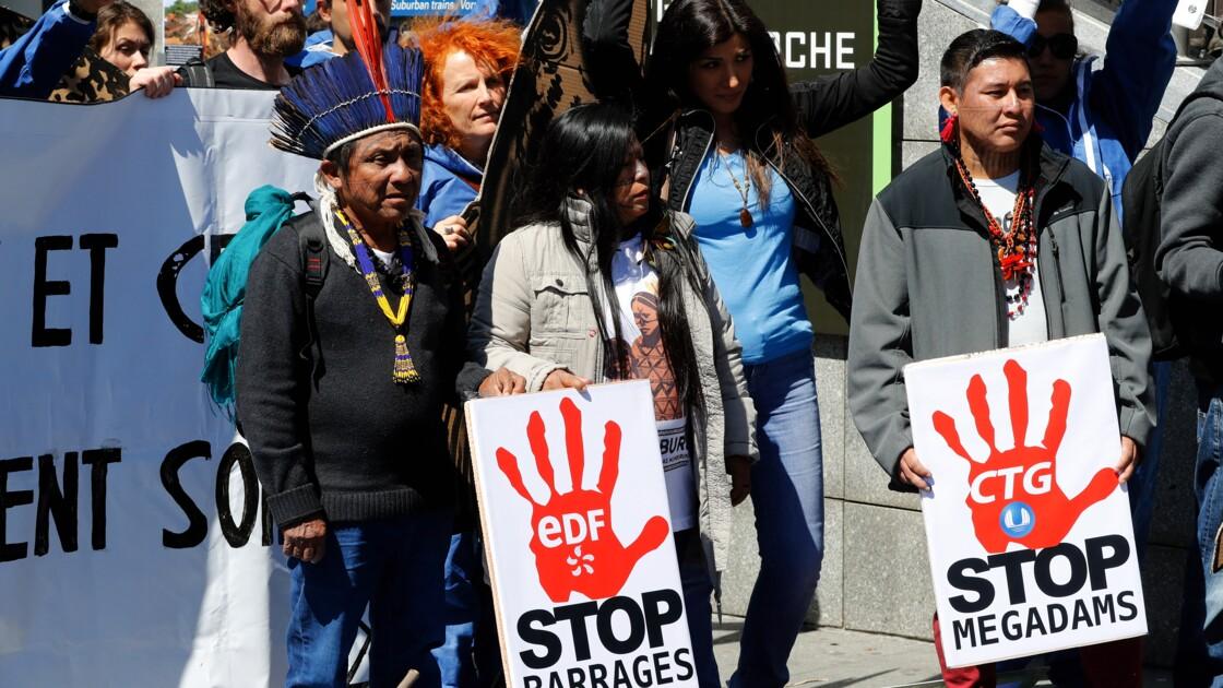 Manifestation contres les grands barrages hydroélectriques