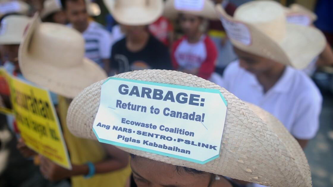 Le Canada mandate une entreprise pour rapatrier ses déchets des Philippines