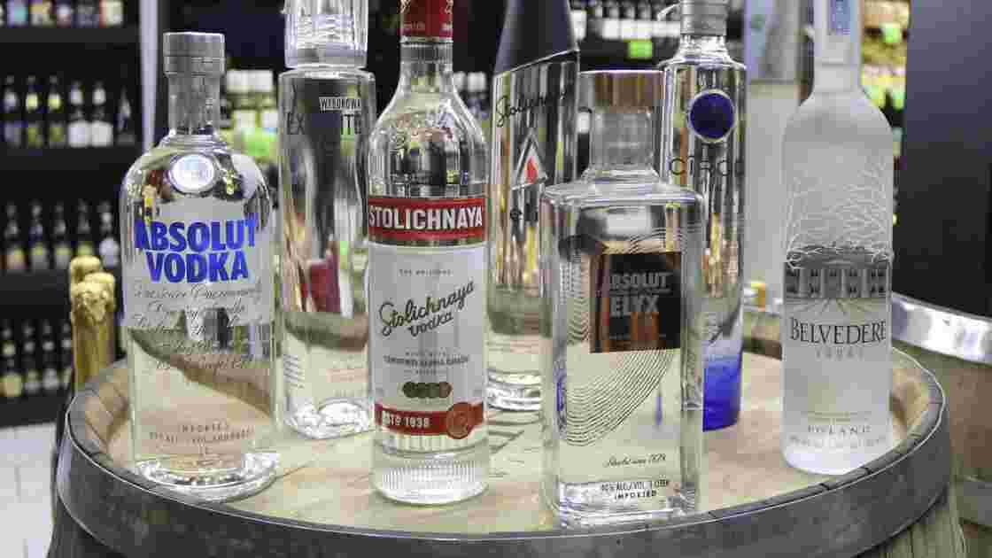 "Les secrets de la vodka, ""petite eau"" des tsars"