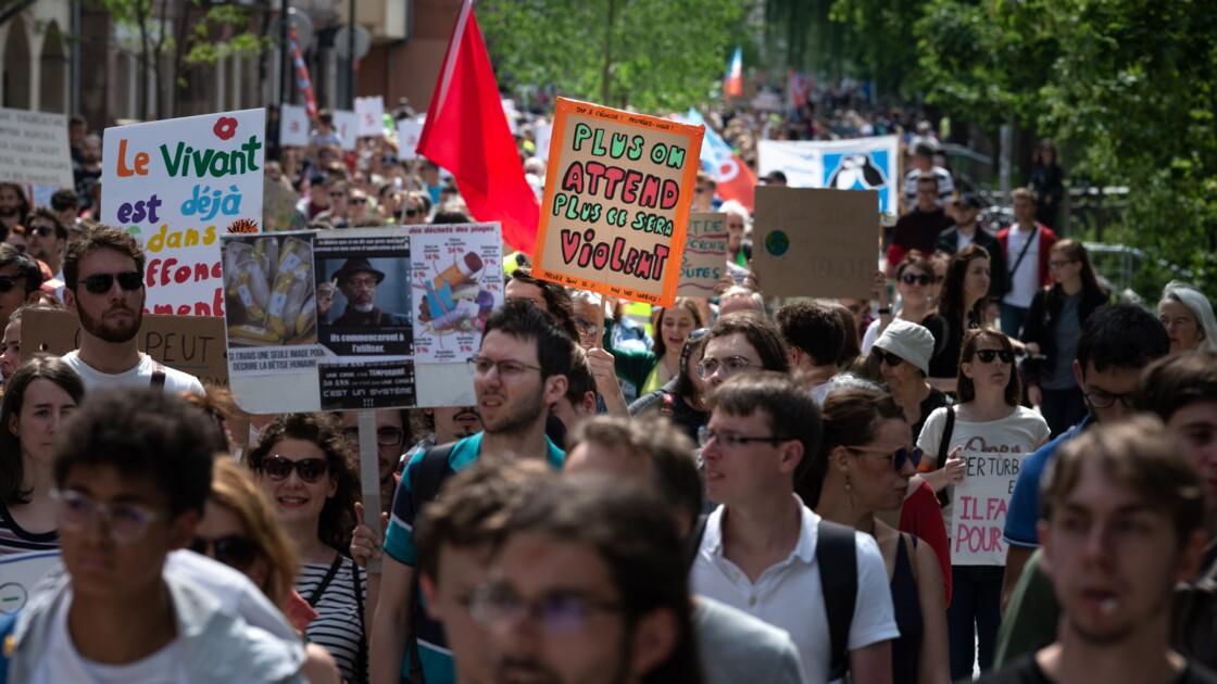 Climat: quelques centaines de personnes manifestent en France avant les élections