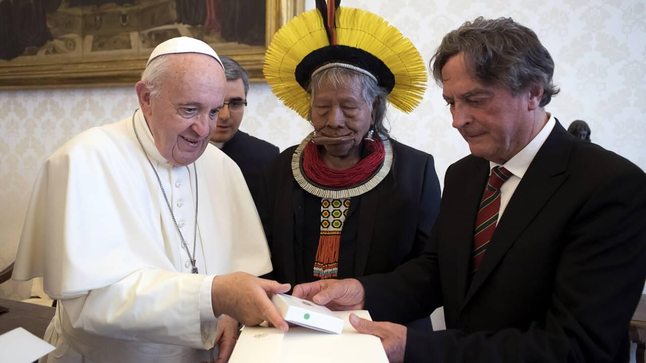 Le chef indien Raoni chez le pape, super défenseur de l'Amazonie