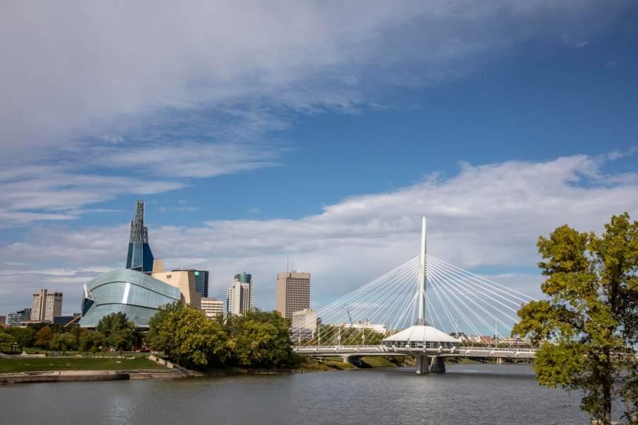 Le pont-passerelle Louis Riel