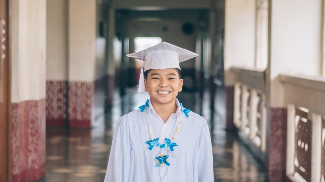 Aux Philippines, réussir ses examens ne suffit pas… les étudiants doivent aussi planter des arbres