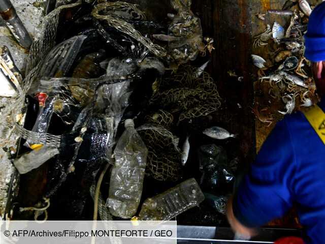 Le pape rend hommage aux pêcheurs qui dépolluent la mer