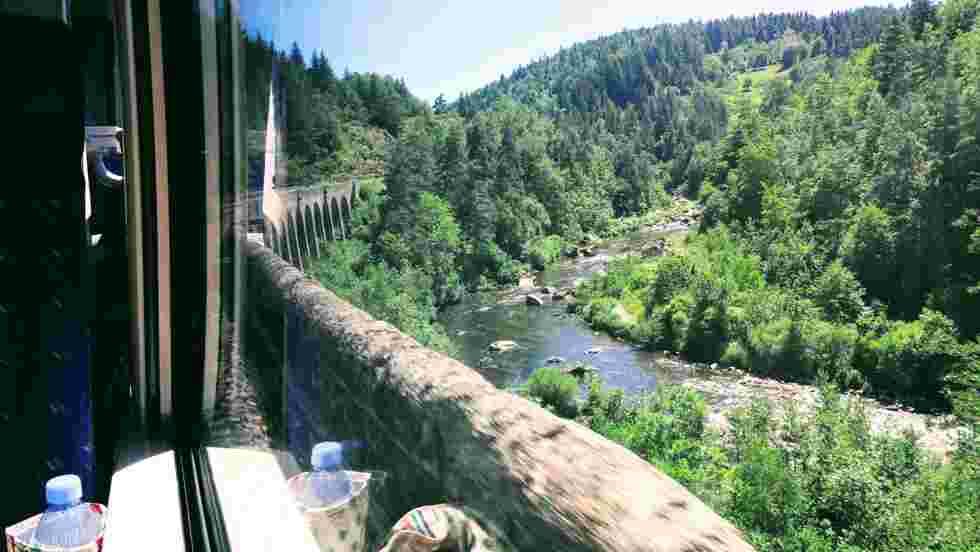 """Slow Train : embarquez pour des escapades bucoliques à bord des """"petites"""" lignes ferroviaires de France"""