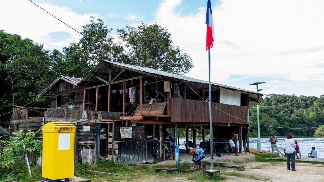 """Face à l'orpaillage clandestin, les Wayanas de Guyane veulent """"de l'eau propre"""""""