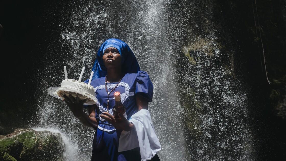 En Haïti, une photographe au cœur du culte vaudou