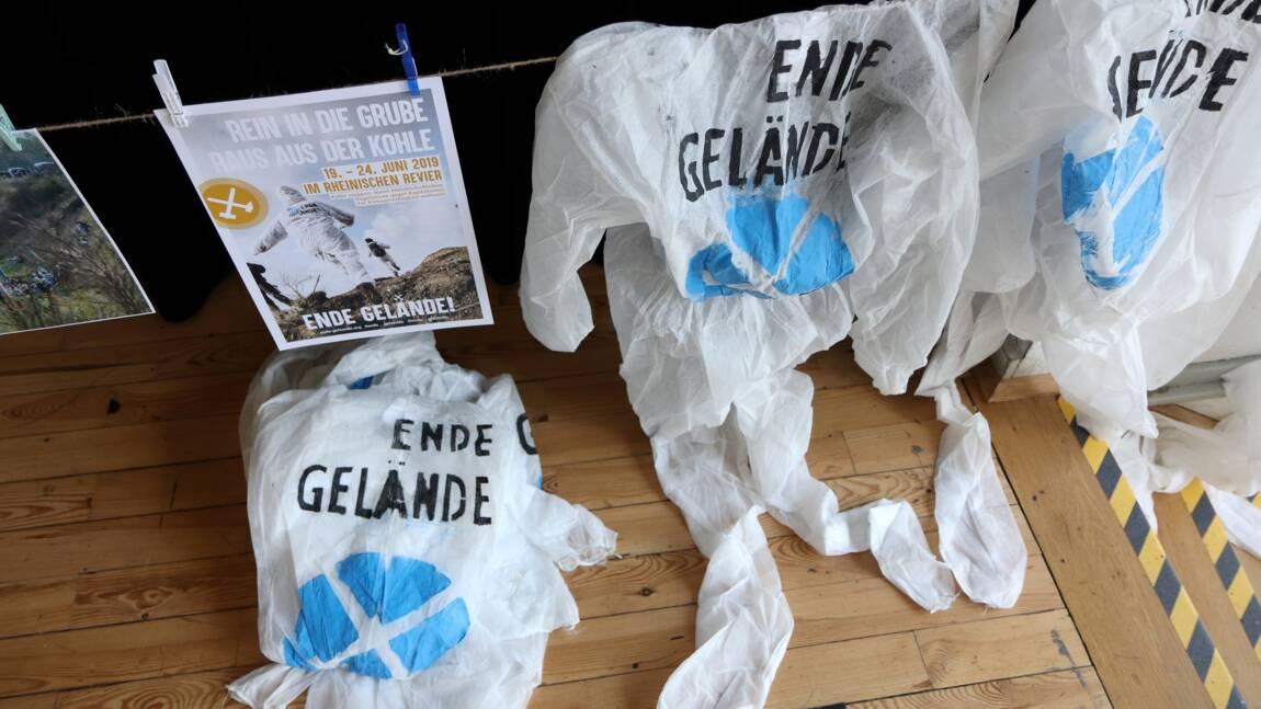 """Occuper une mine, exemple de """"désobéissance civile climatique"""""""