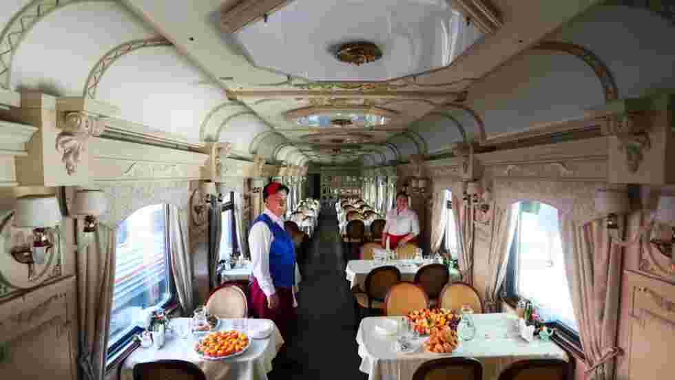 Le premier train touristique traversant l'Arctique russe a été inauguré