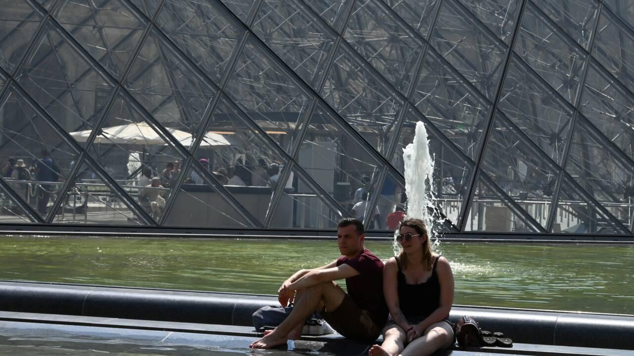 """Le mercure grimpe encore en France, des journées """"difficiles"""" à venir"""
